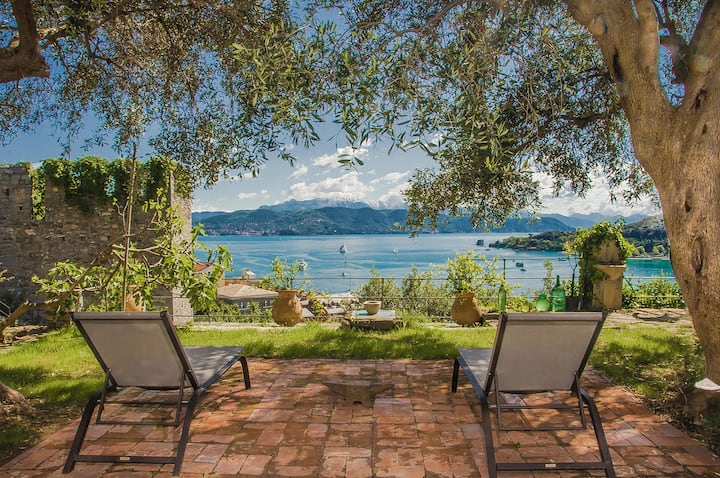 PORTOVENERE CASTLE VILLA MEMORABLE SEA VIEW