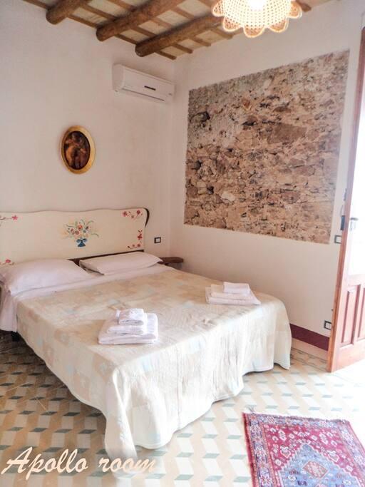 apollo room è una camera con bagno romanticissima
