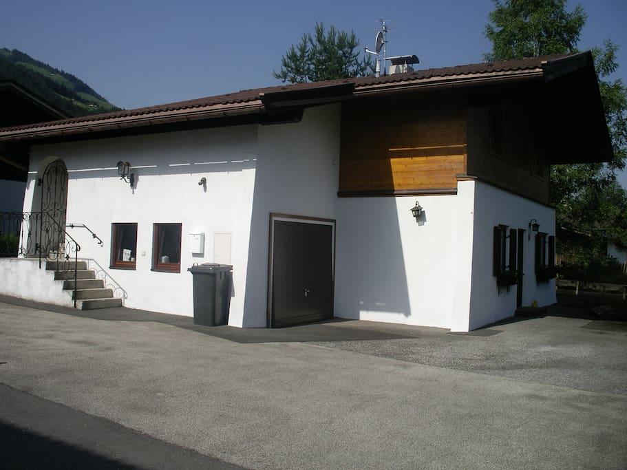 Garage für Fahr- oder Motorräder