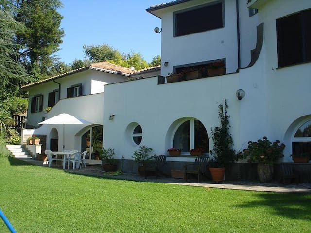 Guest apartment in villa with pool - Formello - Apartment