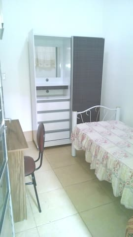 QUARTO SUITE INDIVIDUAL - Belo Horizonte - Bed & Breakfast
