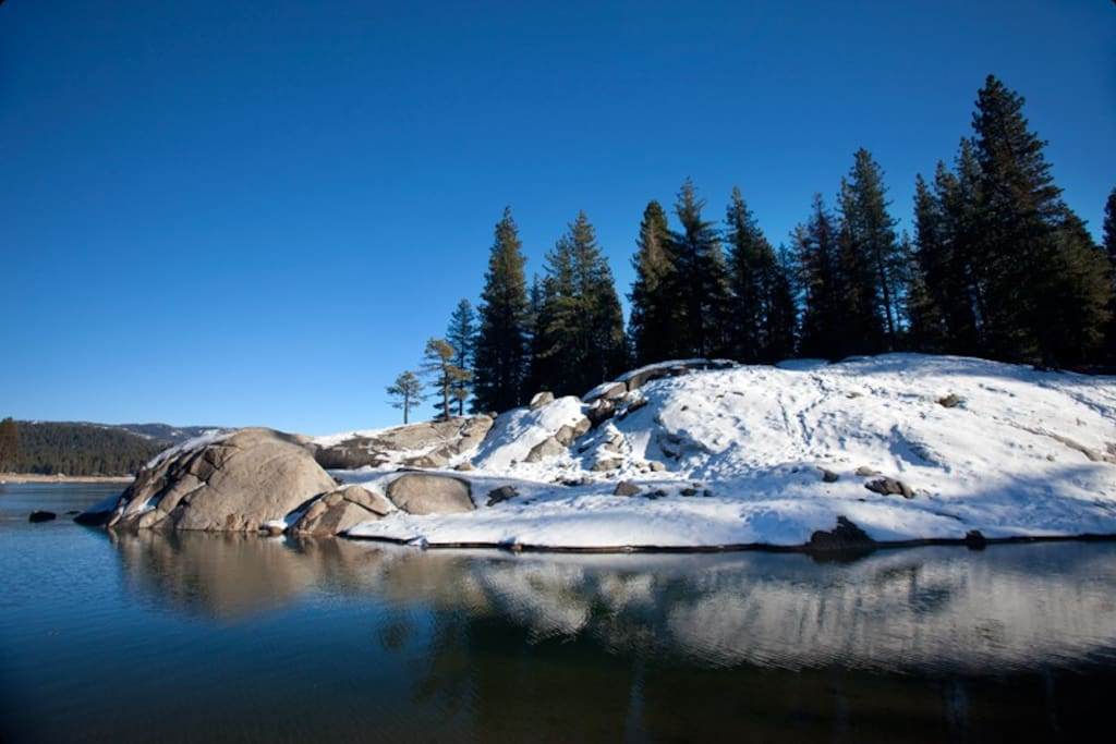 Shaver escape sweet holidays chalets for rent in shaver for Shaver lake fishing report