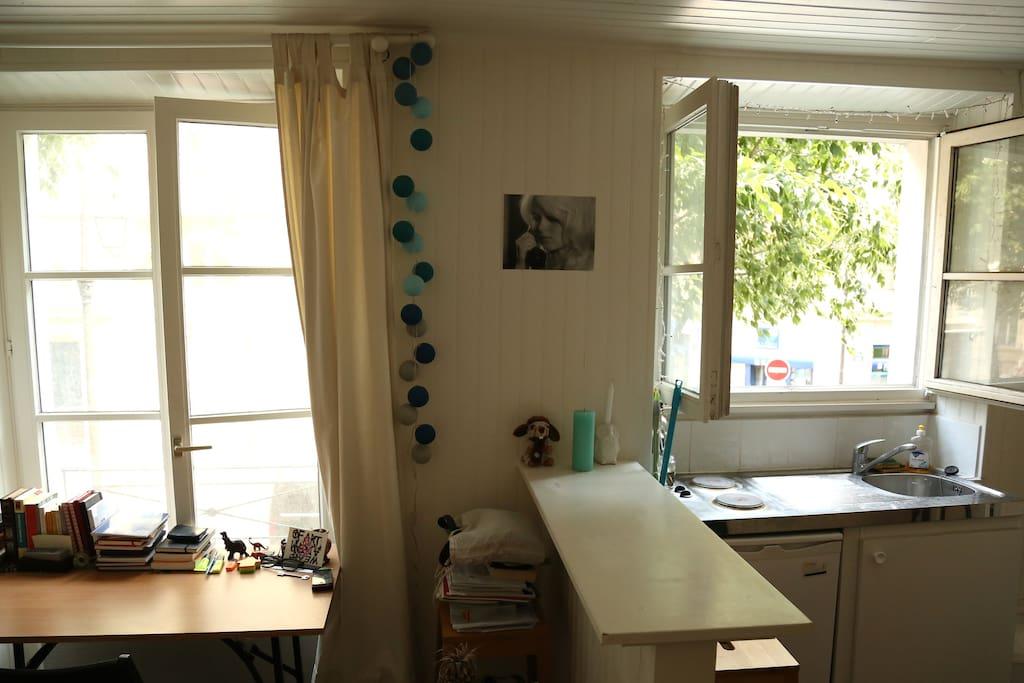 Desk / Counter / Kitchen