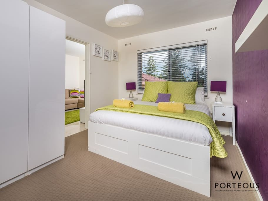 Light and airy bedroom with Queen sized bed and ensuite bathroom