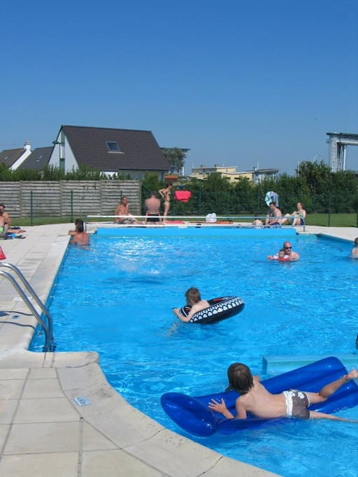 Pool (free entrance) at 100m from the house with safe guard. Only open in July and August.