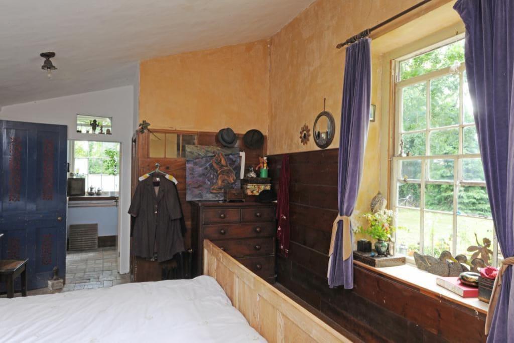 Double bedroom and en suite