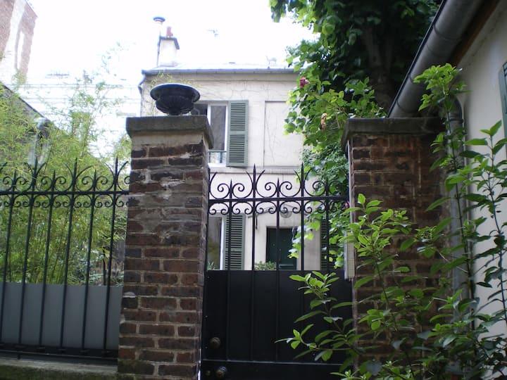 maison  au pied de Montmartre