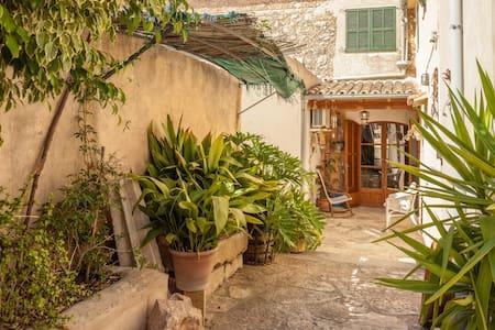 Can Salom, casa de una artista - Binissalem - Haus