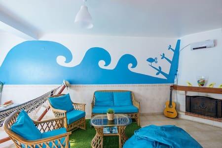 H2O Surfguide Hostel - Couple room - フェレル - 別荘