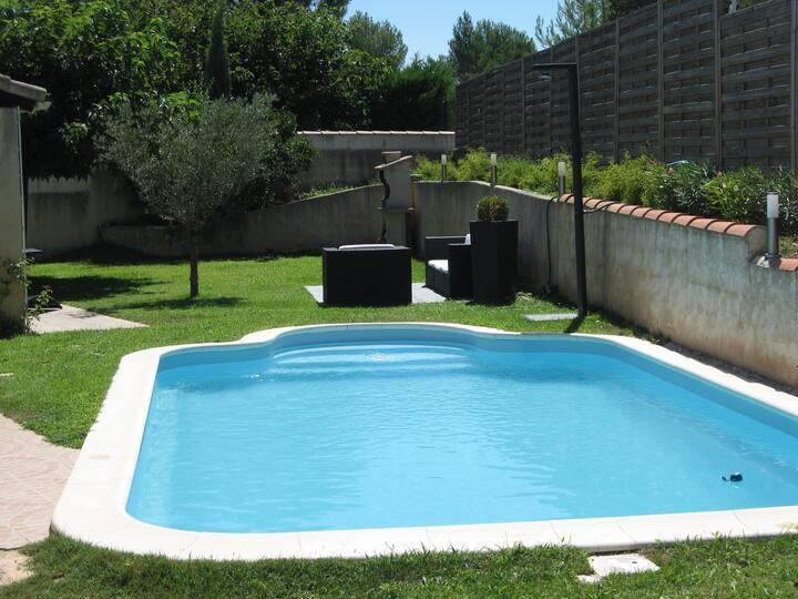 Villa avec piscine, proche d'Aix en Provence