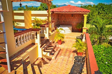 Suite with Private Balcony-WIFI-jacuzzy-  Beach