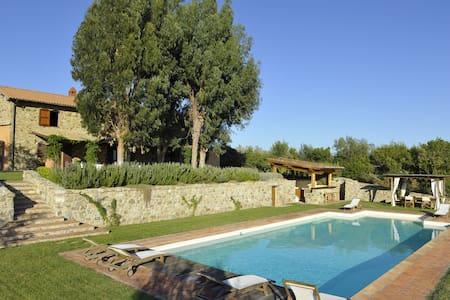 Stone house with beautifuful pool - Monterotondo marittimo
