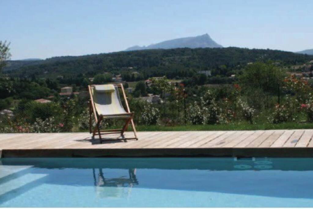 Villa haut standing avec piscine maisons louer aix for Camping aix en provence avec piscine