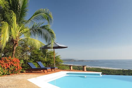 Barefoot Beach Luxury - Perfect for couples! - Playa San Miguel