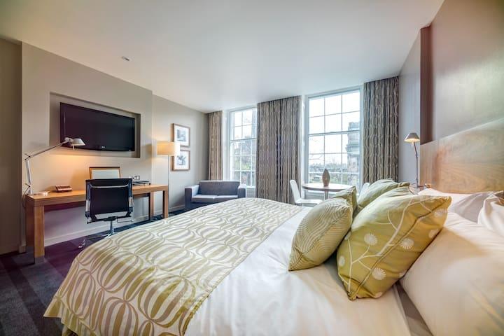 Superior room in an elegant four-star hotel in Edinburgh's City Centre