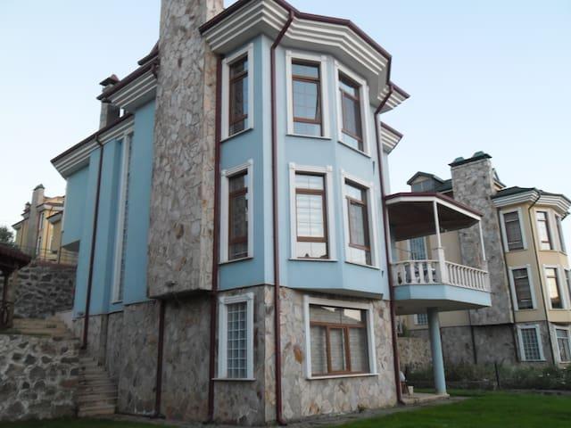 Boztepe blue villa - Trabzon - วิลล่า