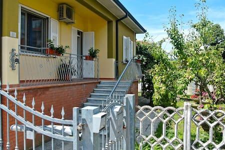 Casa Vacanza Kiwi 2.0 - Ceparana