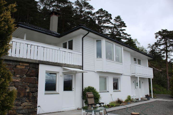 House with an amazing view in beautiful Bergen - เบอร์เกน - บ้าน