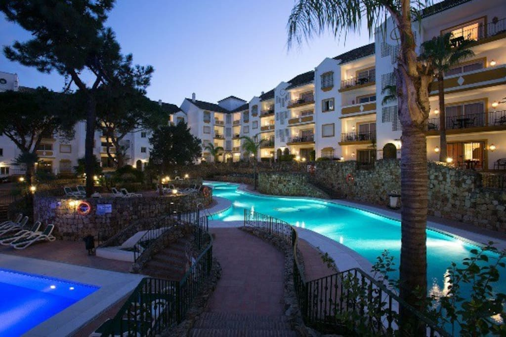 Appart h tel alanda club marbella appartements louer for Appart hotel jacuzzi
