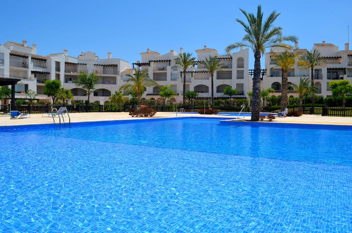 Luxury Golf/Pool Apartment - FREE wifi, Parking. - Murcia - Leilighet