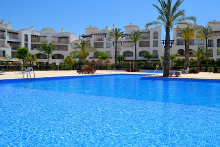 Luxury Golf/Pool Apartment - FREE wifi, Parking. - Murcia - Apartmen