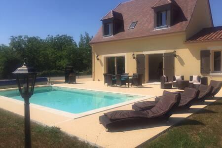 Maison toute neuve 6 pers + piscine - Saint -julien-de-lampon
