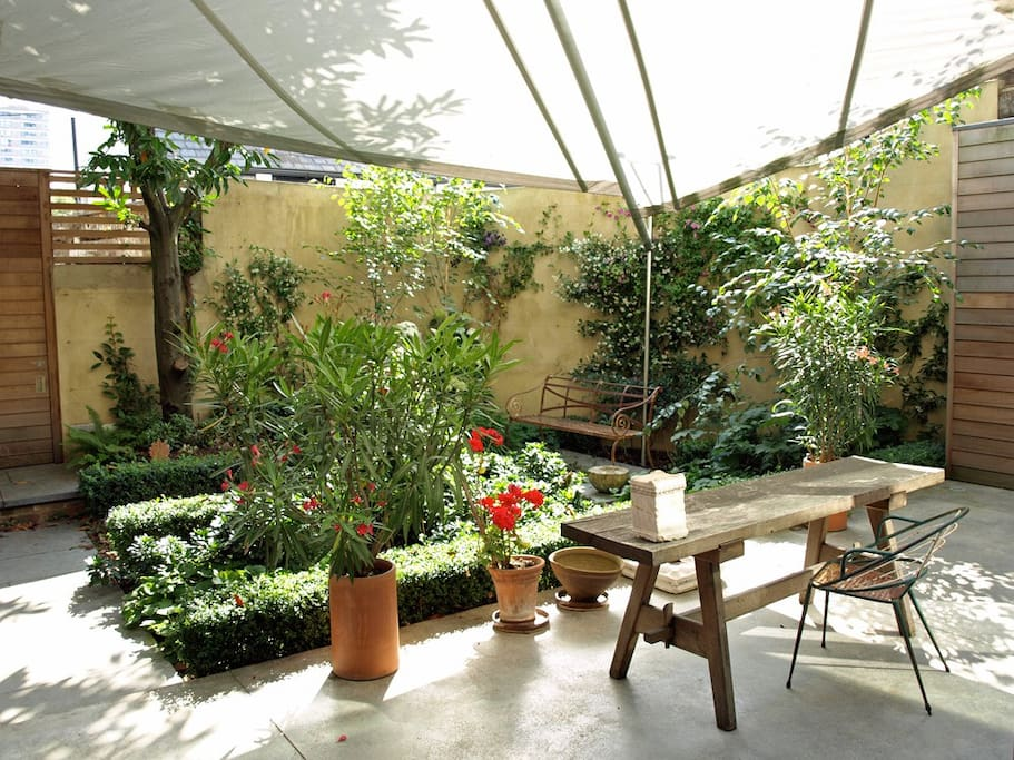 Terrace and Garden – windsail canopy