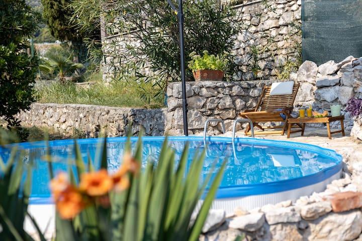Villa Ema2 apartments with pool, sea view terrace