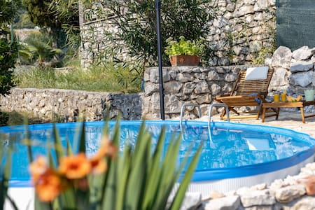 Villa Ema2 apartments with pool, sea view terrace