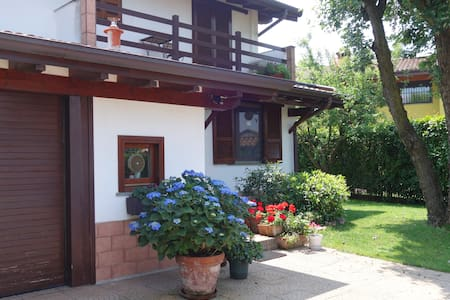 A 10 minuti  dal Golf Club Ambrosiano - Gudo Visconti - Bed & Breakfast