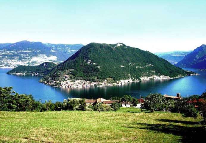 Charming Lake View from 'Island - Monte Isola - Apartemen