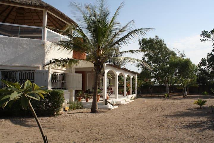 Keur Malola, villa au Sénégal - Mbodiene - Hus