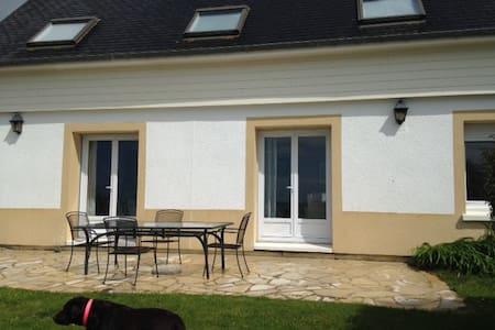 Villa familiale front de mer! - Coudeville-sur-Mer - Villa