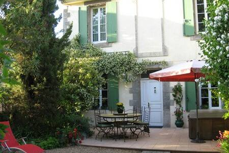Les seringas - Capestang - Bed & Breakfast