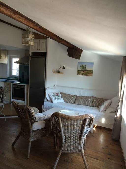 Situ au coeur du village medieval appartements louer - Location appartement salon de provence le bon coin ...