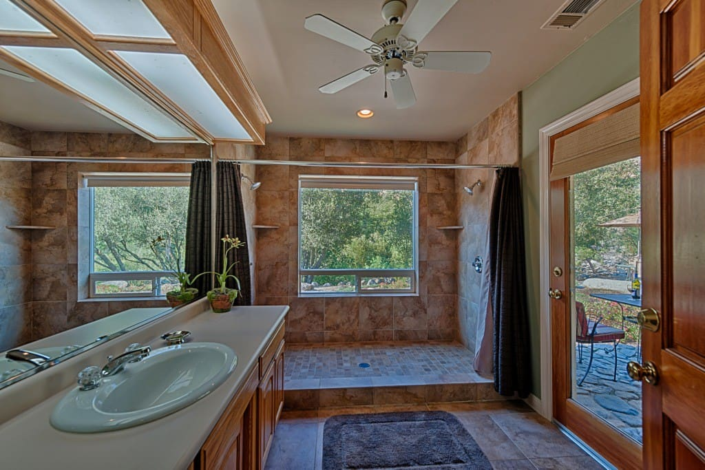 Kaweah Gem bathroom with huge double-headed shower