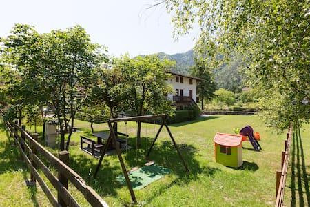 Schöne Wohnung nur 100 m von Strand - Pieve di Ledro - อพาร์ทเมนท์