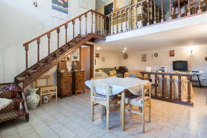 Lovely independent apartment Umbria - Piediluco - Huis