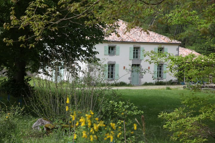 Moulin de Caillerot, vue sur jardin - Caubeyres - Casa