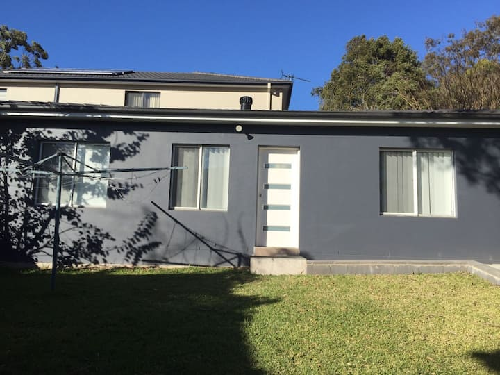Newly renovated, centrally-located granny flat