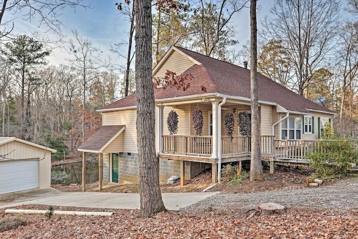 Lake Murray Home w/Kayaks, 13 Mi to Dreher Island!