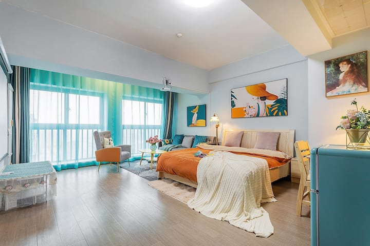 Sissi Palace- 近滇池民族村南亚万达爱琴海独立一居室公寓、泰国乳胶床品、高清投影伊莲小屋