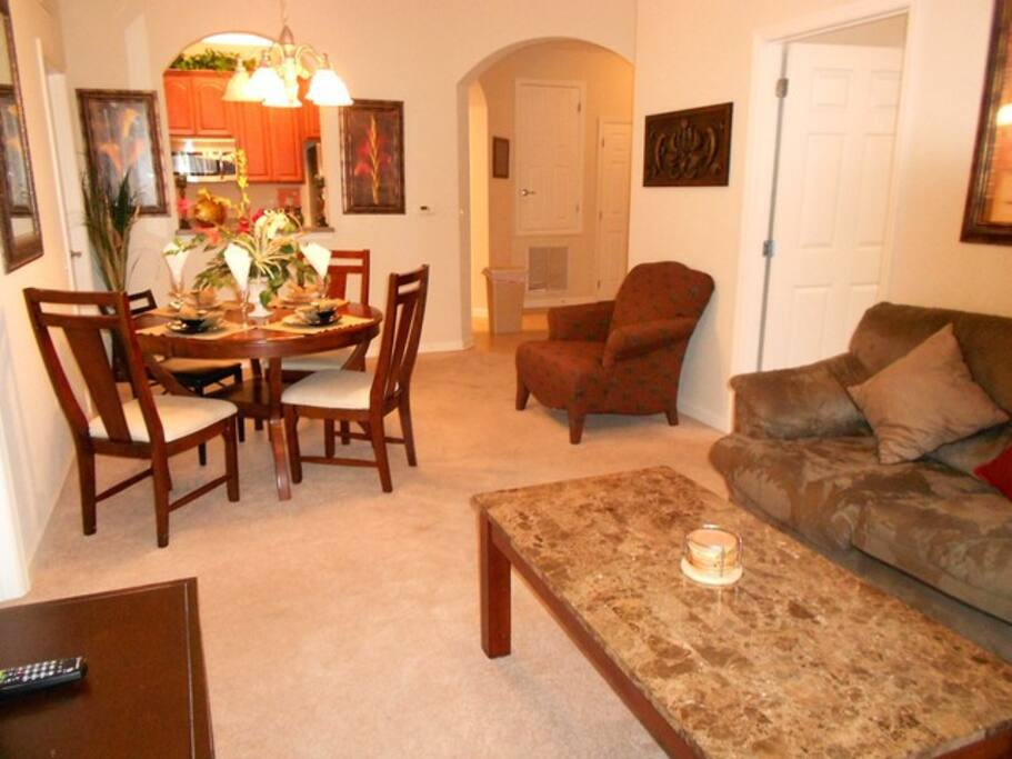 Spectacular 3br Condo At Universal Apartments For Rent