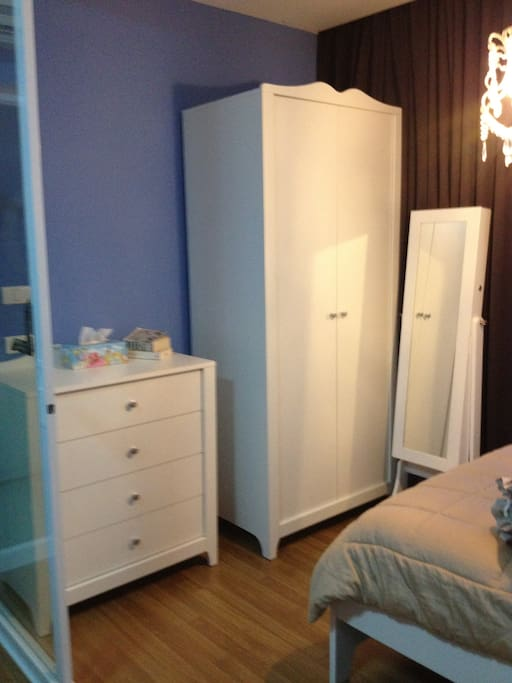 Drawers and wardrobe cabinet
