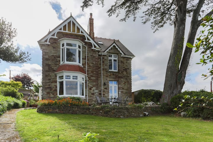 The perfect B&B for 4 in Cornwall