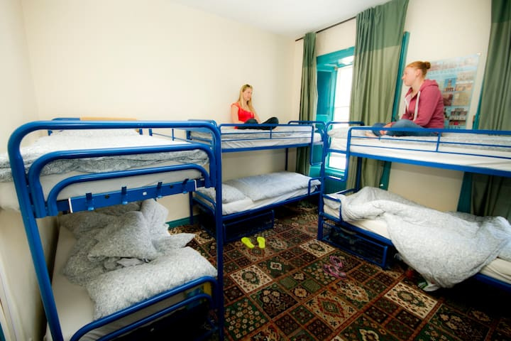 8 Bed Female Dorm-Shared Shower
