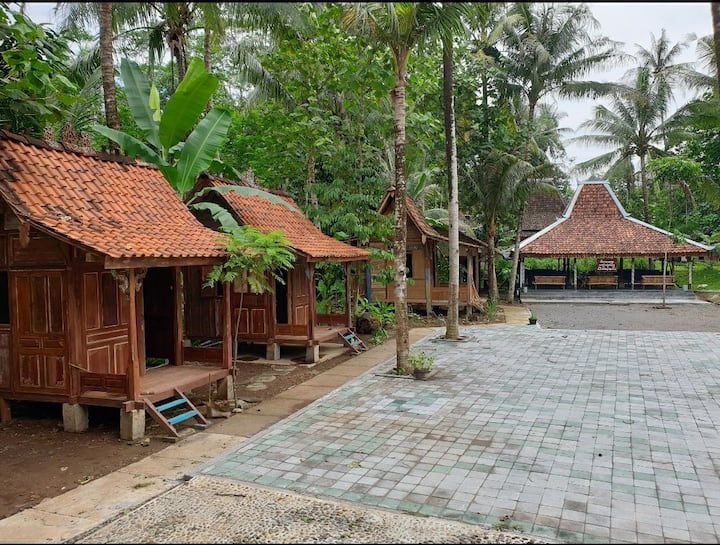 Mini Joglo Panggung di daerah wisata Borobudur
