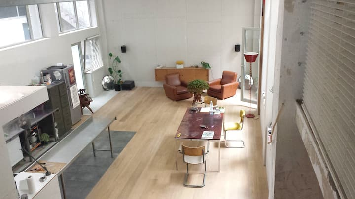 Nice loft, close to Midi Station