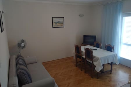 Apt.1 center Novalja for 4 people