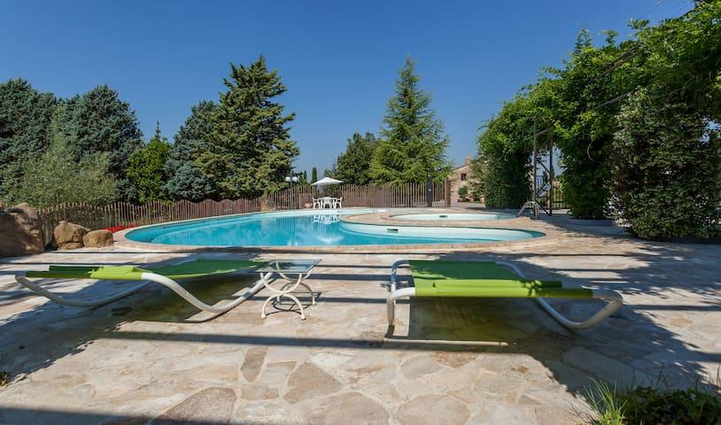 Swimming pools! ❤️